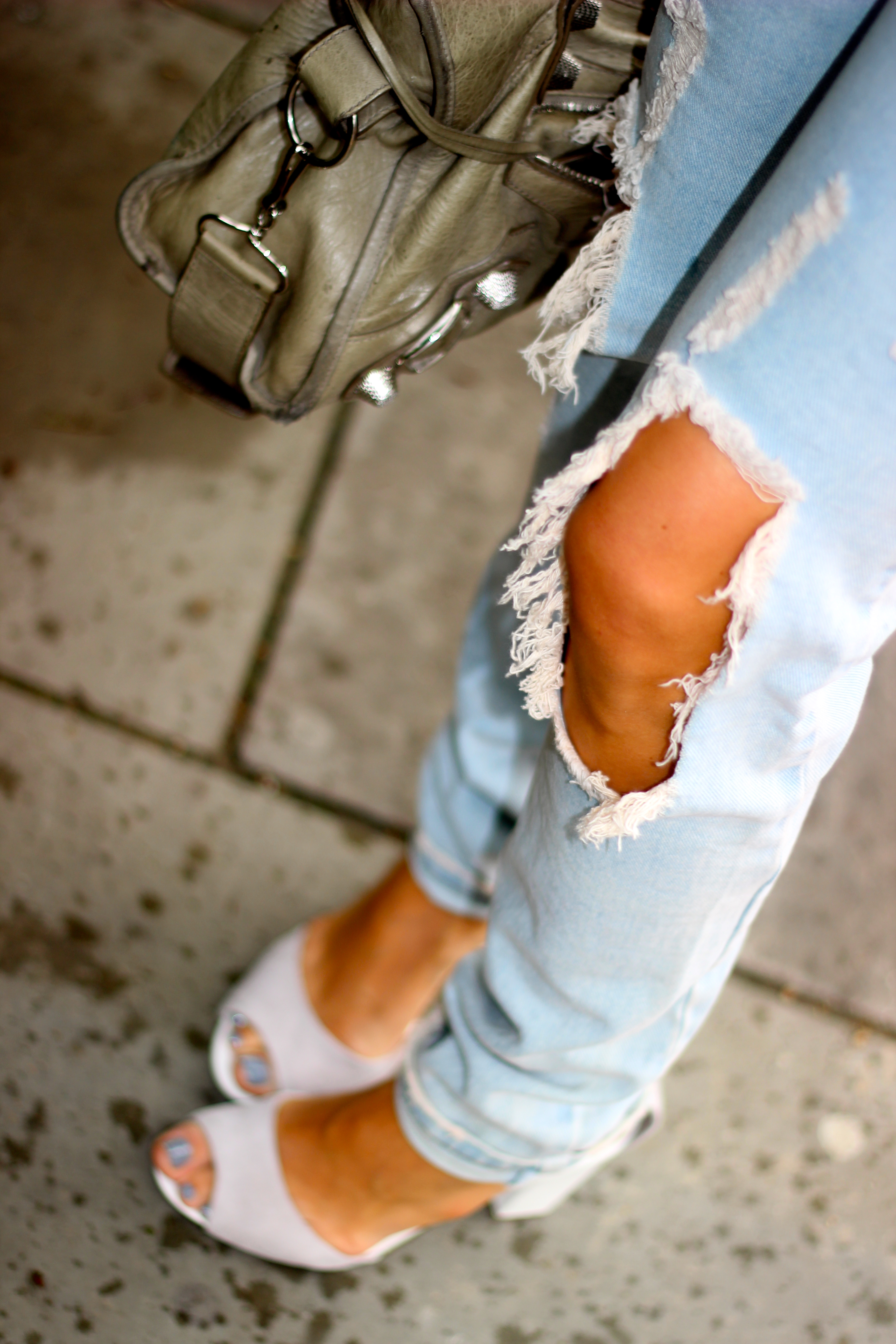 ripped pants ripped jeans one teaspoon fashion blog