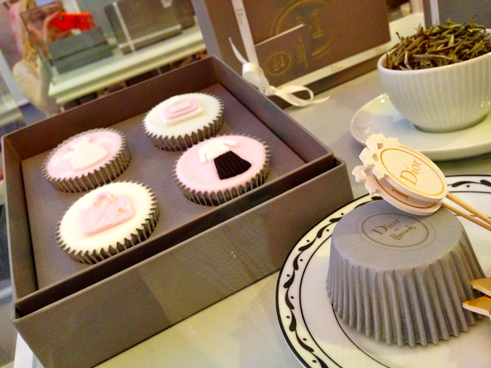 dior cup cakes