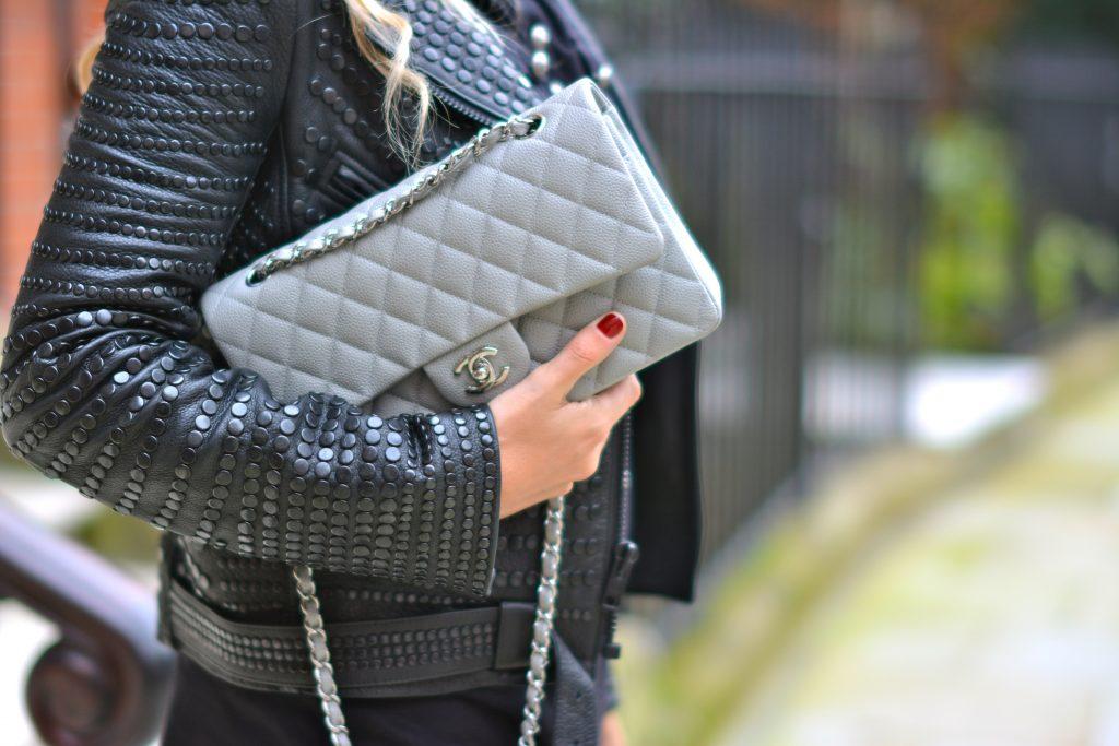 dove grey caviar leather chanel classic flap